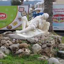 Gräßliches Grabmal im Kreisverkehr