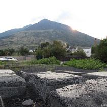 Badeplatz mit Vulkanblick