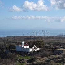 Der Windpark bei Krioneri, und Kassos im Hintergrund