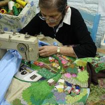 Kreta: Kyria Bikaki bei der Arbeit