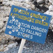 Steinschlag oder Schusslöcher?