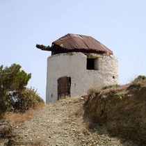 Karpathos: Windmühlenrest in Diafani