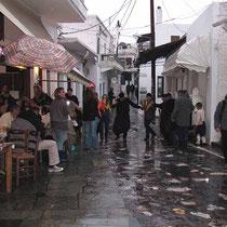 Es regnet weiter, aber man tanz trotzdem