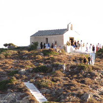 Kapelle Agios Giorgos bei Kapsali - Hochzeitsgesellschaft