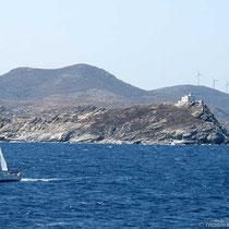 Passage am Leuchtturm von Nord-Paros