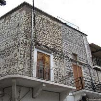 Typische Fassade