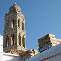 Pas de Deux von Turm und Ziegeln