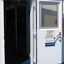 Die Türe soll während der Fahrt unbedingt geschlossen bleiben...