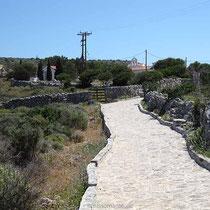 Zum Kloster Zourvas