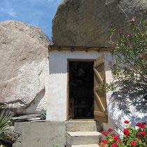 Inseltypischer Bau in Manganitis