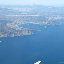 Die Küste von Attika mit Flughafen