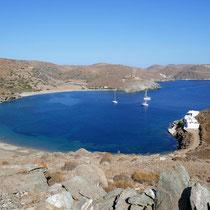 Und die blaue Fykiada-Bucht