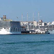 Kreuzfahrtkästen - viel Spaß in Santorin oder Mykonos