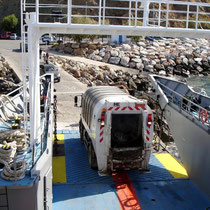Kreta: Die Müllabfuhr wird verladen...