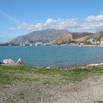 Der Hafen von Kikkinos Pirgos