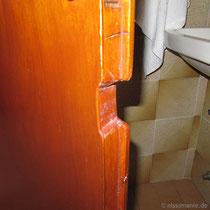 Ein Stück der Badezimmertüre musste dem Waschbecken weichen