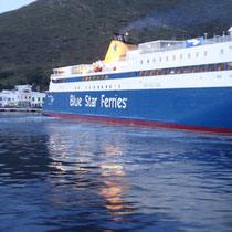 "Die ""Blue Star Paros"" in Katapola"