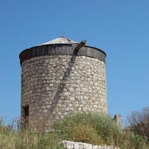 Windmühle auf dem Kastro-Hügel