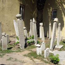 Türlkische Gräber im Kastro-Viertel