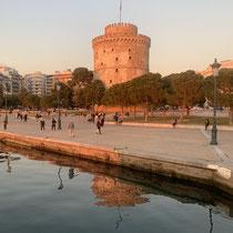 Der Weiße Turm in ocker