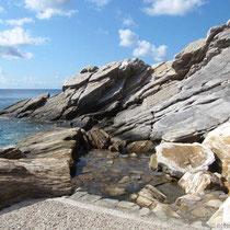 Felsen am Hafen