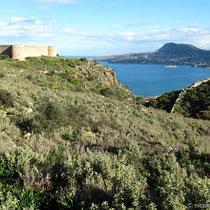 Die türkische Festung und die Bucht von Kalyves