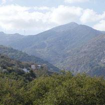 Die Berge westlich der Schlucht: Lakka Boukoura und Platanos