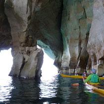 Eine große Höhle