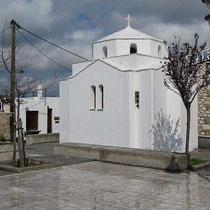 Die kleine Kapelle an der Platia