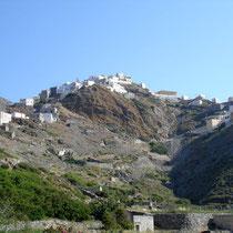 Karpathos: Blick vom Tal auf Olymbos