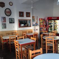 Kafenio Perros und Frühstücksraum