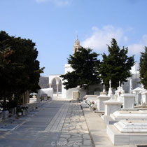 Tinos: Friedhof in Pirgos