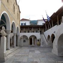 Innenhof der Kirchen