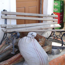 Karpathos: Wartemöglichkeit an der Bushaltestelle?