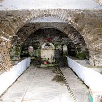 Brunnenhaus alt