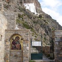 Zum Kloster Chozowiotissa