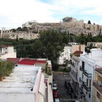 Blick von der Dachterrasse: auf die Akropolis