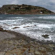 Die vorgelagerte Insel Mochlos...