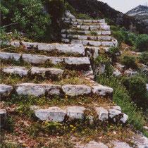Kastellorizo: Treppen zur Hochebene