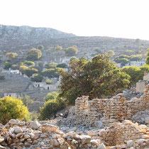 Die ersten Mauerreste von Mikro Chorio