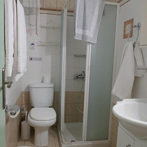 Bad mit Dusche maximal Größe L ;-)
