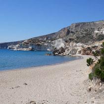 Der Strand liegt ...