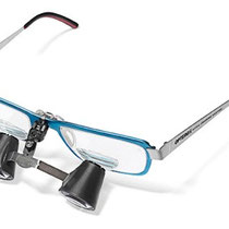 MeridentOptergo preklopna lupa na rpizmatičnih očalih