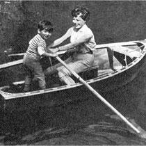 Mehdi et Cécile Aubry en barque sur la Rémarde en 1960