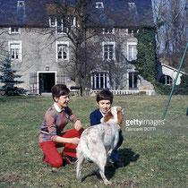 1970, Cécile Aubry, Mehdi et la chienne Roxane © gettyimages