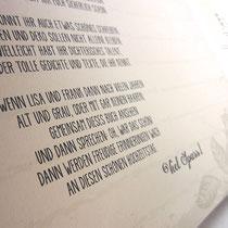 Seite 1 mit Begrüßungstext. Schriftart/en, Schriftfarbe/n und Grafiken nach Wunsch.