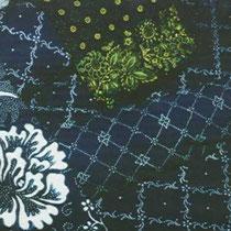 Beispiele für handbedruckte Stoffe in verschiedenen Blaudruckverfahren