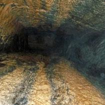 Blick im Schacht von unten 12 m nach oben