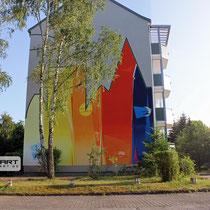 Airbrush Malerei von dem Team der Graffiti Agentur Appolloart . Aus Grau wird farbige Wandgestaltung