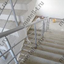 Ограждения лестниц из черного металла